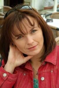 Která herečka hraje v seriálu Pavlu Barnovou? (náhled)