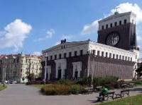 Známý slovinský architekt, který se podílel i na řadě staveb v Praze (kostel na obrázku), se jmenoval: (náhled)