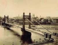 Most na obrázku stával na místě dnešního Štefánikova mostu, jak se most jmenoval? (náhled)