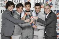 na Brit Awards 2012 vyhrali... (n�hled)