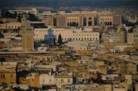 Na obrázku je město: (náhled)