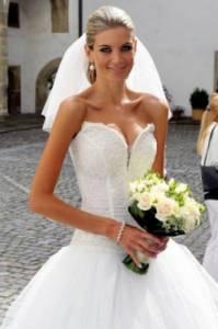 Která Česká MISS je nevěstou na fotografii č.5? (náhled)