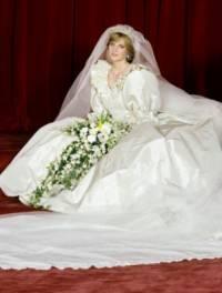 Provdala se nevěsta z fotografie č. 8 za následníka britského trůnu prince Charlese? (náhled)