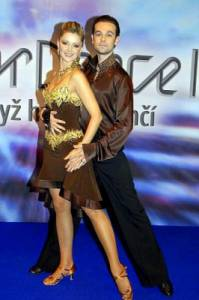 Jaký taneční pár je na fotografii č.8? (náhled)
