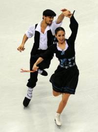 Taneční pár na fotografii č.6 tvoří krasobruslaři: (náhled)
