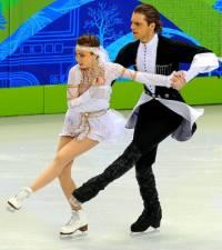 Jak se jmenují krasobruslaři, kteří tvoří taneční pár na fotografii č.8? (náhled)