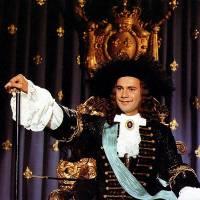 A teď trochu historie. Následující otázky souvisí s historicky doloženým, skutečným panovníkem. Král/car na fotografii č.10 se jmenuje: (náhled)