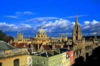 Na obrázku vidíte evropské město: (náhled)