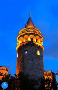 Historická věž na fotografii č.12 se jmenuje: (náhled)