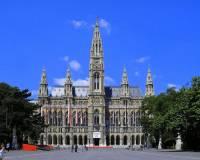 Jaká historická budova je na obrázku č.4? (náhled)