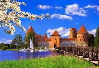 Který hrad/zámek je na obrázku č.12? (náhled)