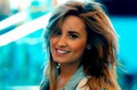 Na obrázku je snímek Demi Lovato z videoklipu k písni...  (náhled)