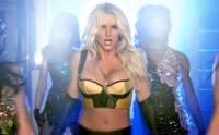 Na obrázku je snímek Britney Spears z videoklipu k písni...  (náhled)