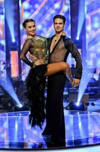 Na obrázku č.9 je taneční pár: (náhled)