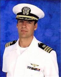 """Dívá se na vás z fotografie č.25 námořní důstojník a právník Timothy Shepard ze seriálu """"Námořní vyšetřovací služba"""" ? (náhled)"""