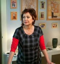 """Je na fotografii č.6 manikérka v kadeřnickém salónu Jitka Farská ze seriálu """"Ulice"""" ? (náhled)"""