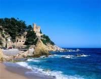 Kontinentálnímu Španělsku dominují náhorní plošiny a pohoří, jako jsou Pyreneje a Sierra Nevada. V jejich výšinách pramení několik velkých řek, například Ebro, Duero, Tagus a Guadalquivir. V/ Ve ___________(dopln) moři se nacházejí Baleárské ostrovy a u pobřeží Afriky autonomní Kanárské ostrovy. (náhled)