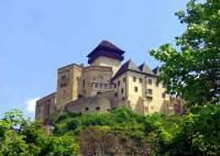 Jaký název má hrad/zámek na obrázku č.3? (náhled)