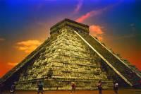 Kukulkánovu pyramidu na fotografii č.14, která byla vystavěna pro boha slunce a nebes Kukulkána a která byla 7.července 2007 zařazena mezi 7 nových divů světa, postavili: (náhled)