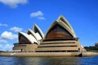K turistickým zajímavostem patří i budova na obrázku č.3. Je to: (náhled)