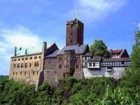 Mezi památky UNESCO patří i hrad na fotografii č.4. Jak se jmenuje? (náhled)