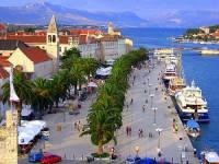 Chorvatsko má nejen průzračný Jadran, ale i několik historicky cenných letovisek, která jsou zapsána na seznamu světového dědictví UNESCO. Které chorvatské letovisko je na fotografii? (náhled)