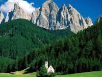 Pohoří na fotografii č.1, které je součástí Alp a bylo zapsáno mezi přírodní unikáty na seznam UNESCO se jmenuje: (náhled)