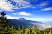 Jak se jmenuje národní park na obrázku č.13, na jehož území je jedna z nejvyšších sopek světa a který byl na seznam UNESCO zapsán v r.2007? (náhled)