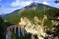 Další technickou památkou zapsanou na seznamu UNESCO je unikátní síť železničních tratí. Jedna z nich je na fotografii č.13. Na seznam UNESCO byla zapsána v r.2008 a má název: (náhled)