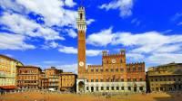 Na obrázku vidíte italské historické město: (náhled)