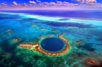Jak se jmenuje unikátní korálový útes, jehož součástí je Velká modrá jáma na obrázku č.14, který byl zapsán v r.2009 do seznamu UNESCO? (náhled)