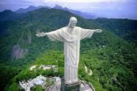 Jak se jmenuje socha na obrázku č.4, která byla 7. července 2007 vybrána jako jeden ze 7 nových divů světa a v r.2012 byla zapsána na seznam UNESCO? (náhled)