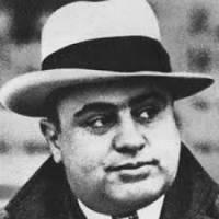 Jeho rodiče pocházeli z Neapole,stejně jako známá mafiánská organizace.Která? (náhled)