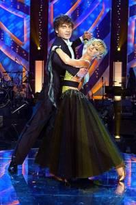 Na obrázku č.13 je taneční pár: (náhled)
