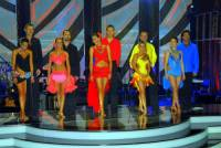 Na fotografii č.3 jsou účastníci taneční soutěže SD v roce: (náhled)
