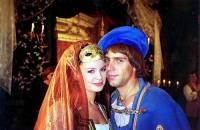 """Je na fotografii č.18 hraběcí syn Robert s divoženkou Zafrou z filmové pohádky """"O uloupené divožence""""? (náhled)"""