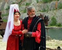 """Jsou na obrázku č.3 král Jindřich a královna Johana z filmové pohádky """"Micimutr""""? (náhled)"""