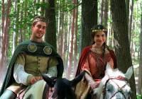 """Jsou na fotografii č.6 princ Karel a princezna Viktorie z filmové pohádky """"Korunní princ""""? (náhled)"""