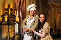 """Je na obrázku č.9 kuchař Ondra s princeznou Verunkou z filmové pohádky """"Svatojánský věneček""""? (náhled)"""