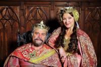"""Jsou na fotografii č.10 král Karel a královna Drahomíra z filmové pohádky """"Korunní princ""""? (náhled)"""
