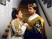 """Jsou na fotografii č.11 král Jindřich a královna Anežka z filmové pohádky """"Královský slib""""? (náhled)"""
