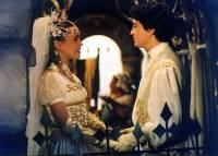 """Jsou na obrázku č.13 princezna Astrid a její milý, rukavičkář Christian z pohádky """"Křesadlo""""? (náhled)"""