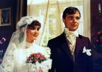 """Jsou na fotografii č.18 ženich, princ Řehoř a nevěsta, bývalá královská kuchařka Blaženka z pohádky """"Modrá krev""""? (náhled)"""