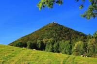 Hora na fotografii č.4 se jmenuje: (náhled)