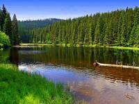 Které šumavské jezero vidíte na fotografii č.4? (náhled)