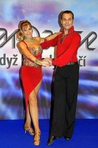 Jaký taneční pár je na fotografii č.22? (náhled)