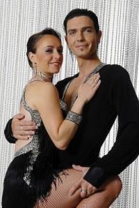 Na obrázku č.23 je taneční pár: (náhled)