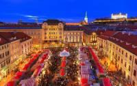 Na obrázku č.3 jsou vánoční trhy ve městě: (náhled)