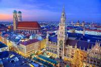 Na obrázku č.5 vidíte vánoční trhy ve městě: (náhled)