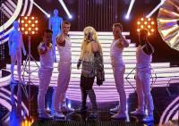 Která známá zpěvačka je na fotografii č.5? (náhled)